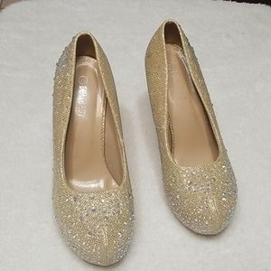 Delicacy Heels Gold with Bling  Size 7.5